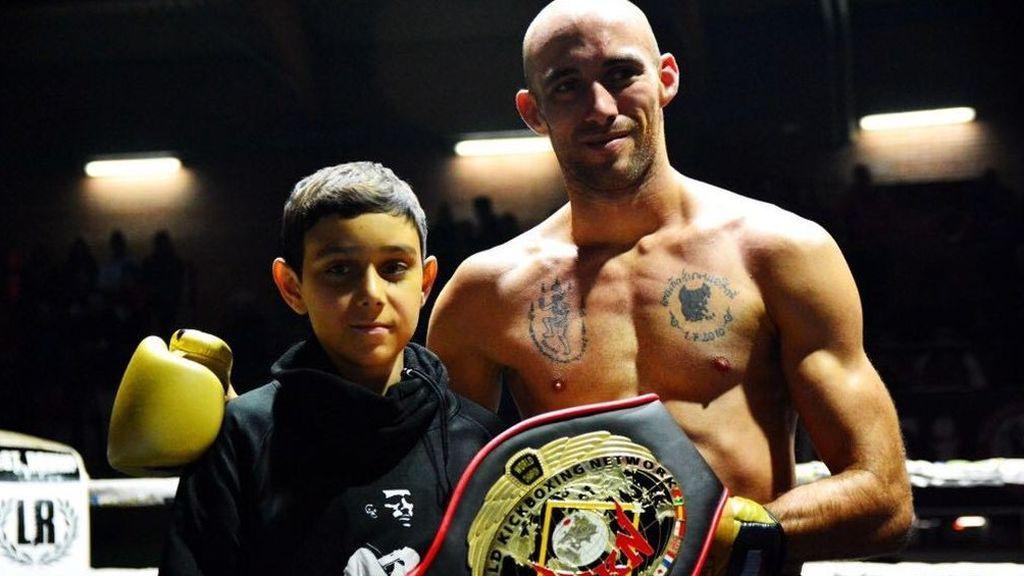 """El mensaje de un niño de 13 años con leucemia al campeón de Muay Thai, Carlos Coello: """"No te rindas igual que yo nunca me he rendido"""""""