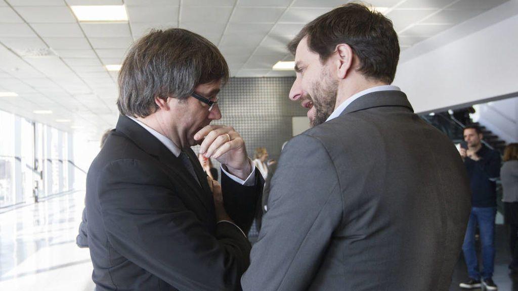 """Cs llevará al TC el voto delegado de Puigdemont y Comín ante la """"inacción"""" de Rajoy"""