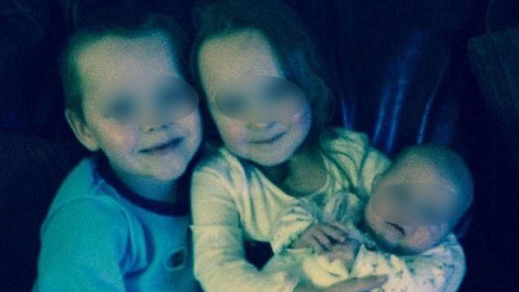 Meses después despierta del coma y descubre que cuatro de sus hijos murieron en un incendio