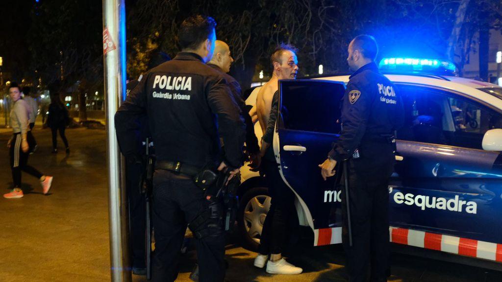Impiden que linchen a un hombre que quería abusar de una menor en Barcelona