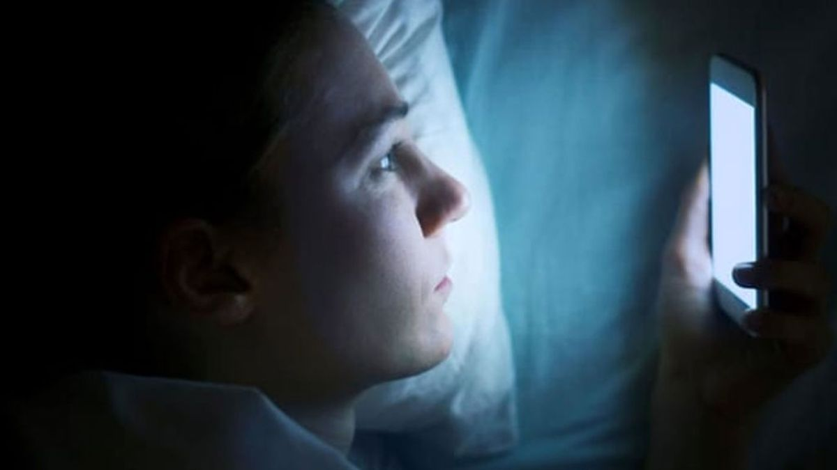 Las luces LED de tabletas y móviles, asociadas con un mayor riesgo de cáncer de mama y próstata