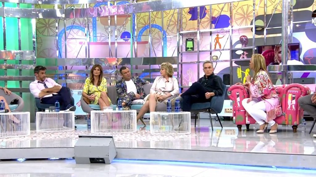 Alonso Caparrós, Gema López, Jorge Javier Vázquez, Mila Ximénez, kiko Hernández y Belén Esteban, en el plató de 'Sálvame' el 25 de abril del 2018.
