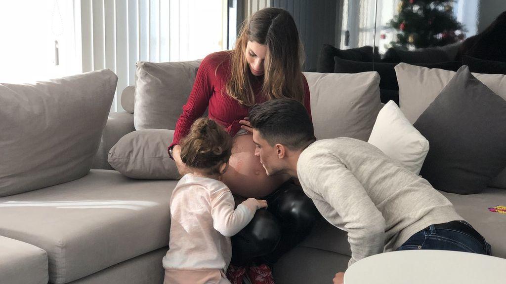Marc Bartra y Melissa Jiménez dan la bienvenida a su segunda hija