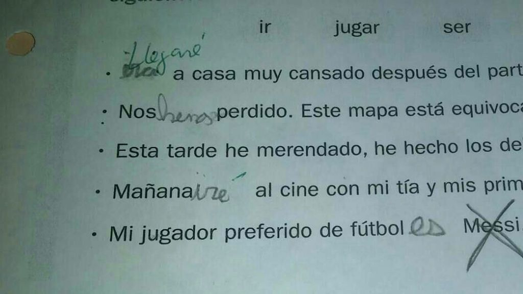 La respuesta épica de una niña del Espanyol en un ejercicio de lengua que decía que Messi es su jugador preferido 😍
