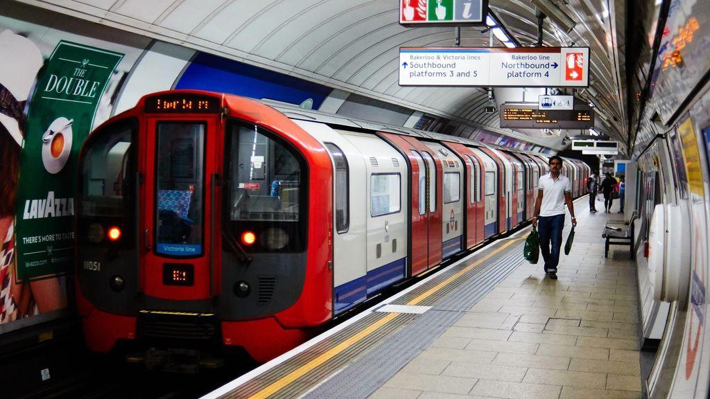 Hallan un cuerpo en el metro de Londres que podría haber sido atropellado por 300 trenes