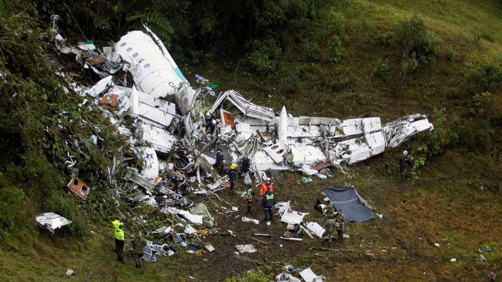El siniestro del avión que trasladaba al Chapecoense se debió a falta de combustible, según la investigación