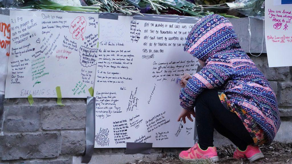 Homenajes y oraciones en Toronto