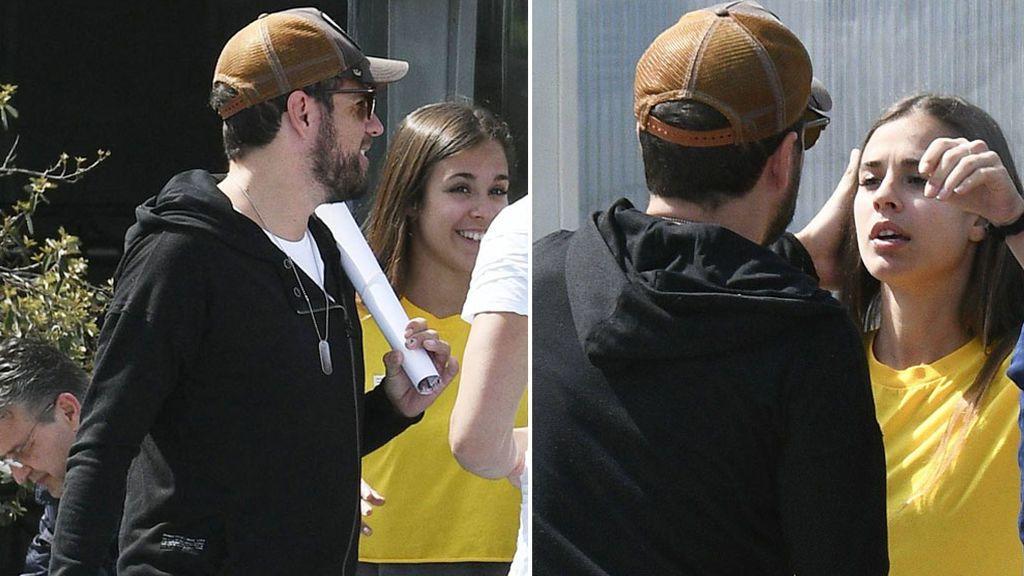 ¡Las fotos! Pablo López y su novia Claudia Nieto se besan apasionadamente por la calle