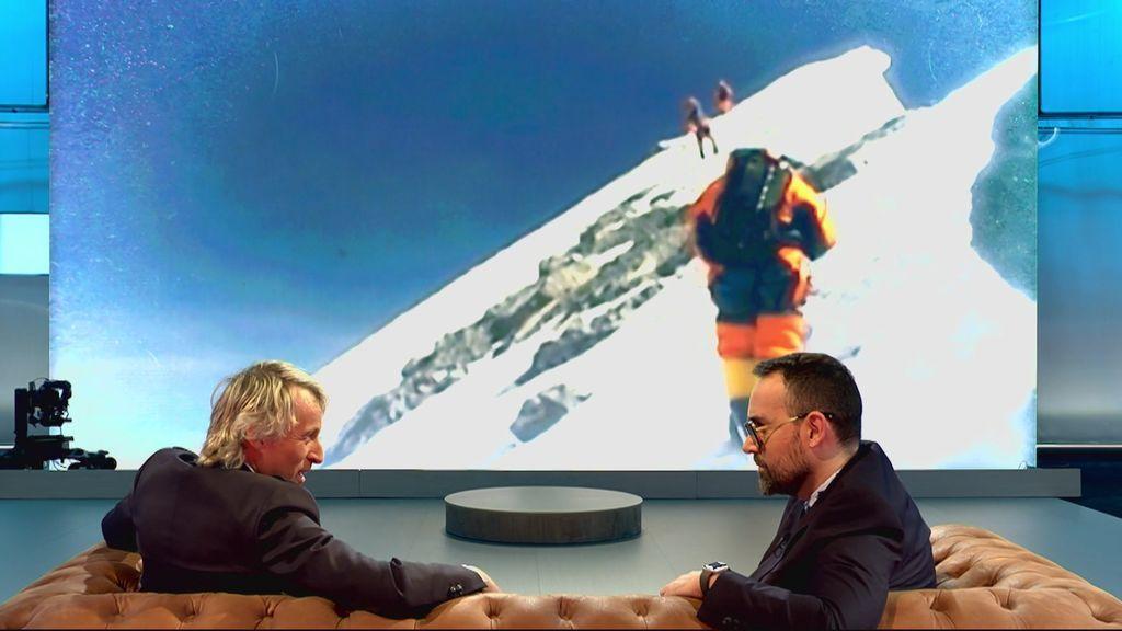 """Calleja subió el Everest como homenaje a su hermano recién fallecido: """"Te juegas la vida en unas condiciones dramáticas"""""""