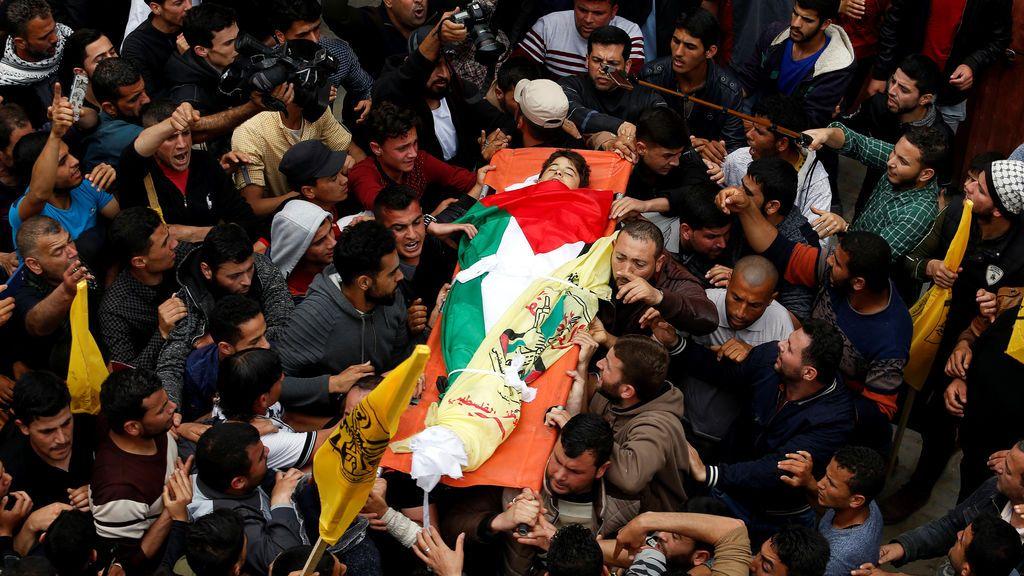 Cuatro muertos y casi mil heridos en una nueva jornada de disturbios en Gaza