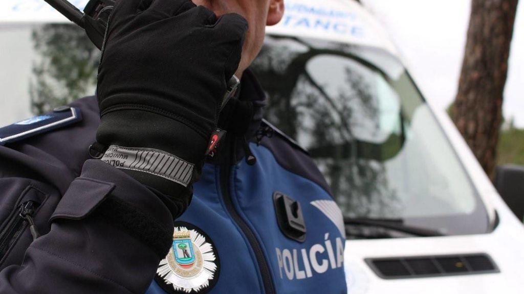Detenido tras pegar y echar de casa a su mujer, herir a dos agentes y autolesionarse