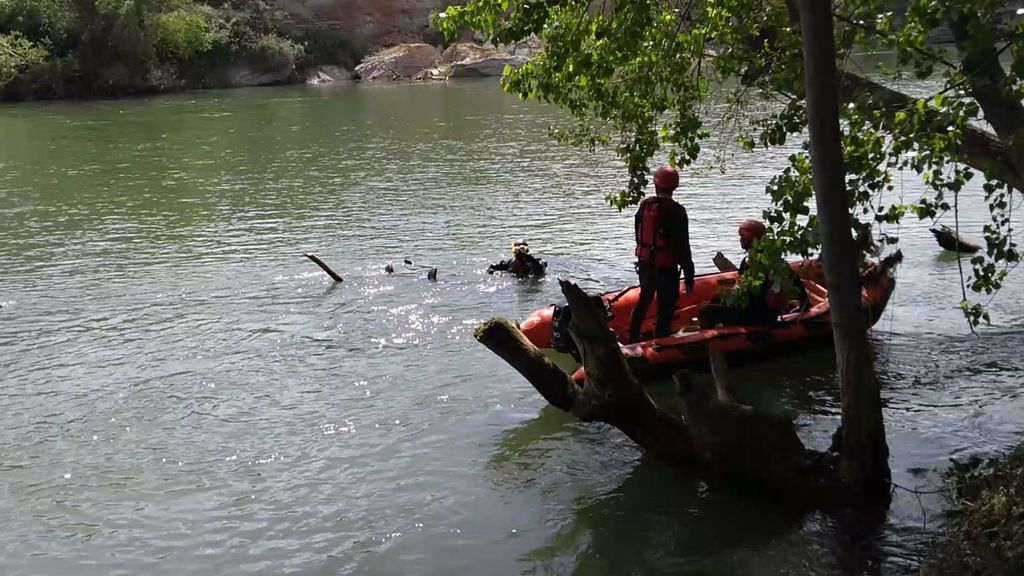 Rescatan un cadáver en el río Ebro que podría ser la persona desaparecida tras un accidente en Lodosa