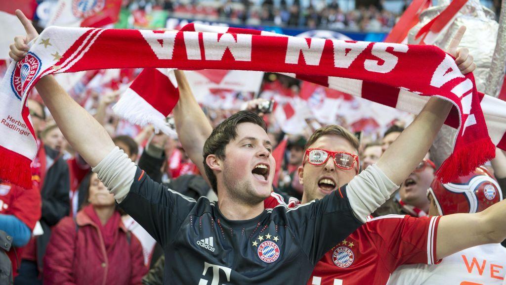 La afición del Bayern 'convierte' la Plaza de Castilla de Madrid en una de las gradas del Allianz Arena