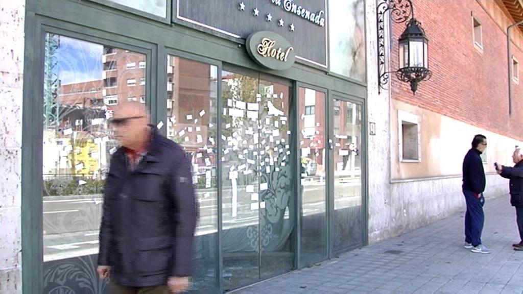 Vandalismo y botellón, los nuevos huéspedes de un hotel de 5 estrellas
