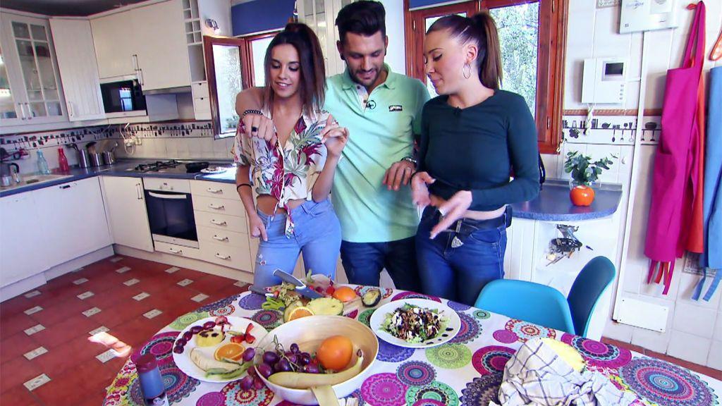 ¡Iris se lleva la cita con Barranco tras un desastroso plato de fruta de Saray!