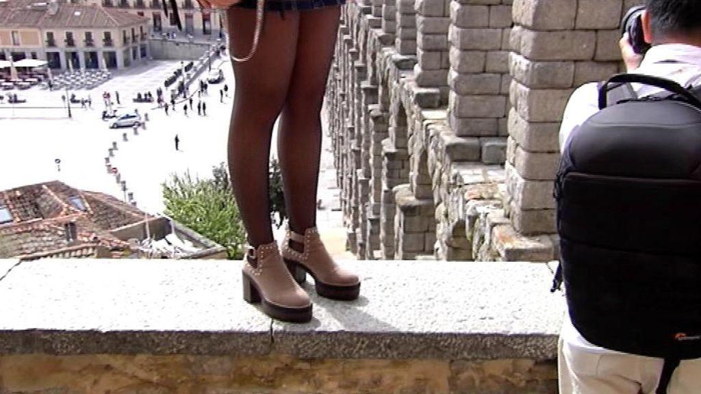 La obsesión por los selfies pone en peligro el acueducto de Segovia