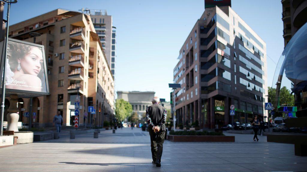 Imagen cotidiana en la ciudad armenia de Ereván