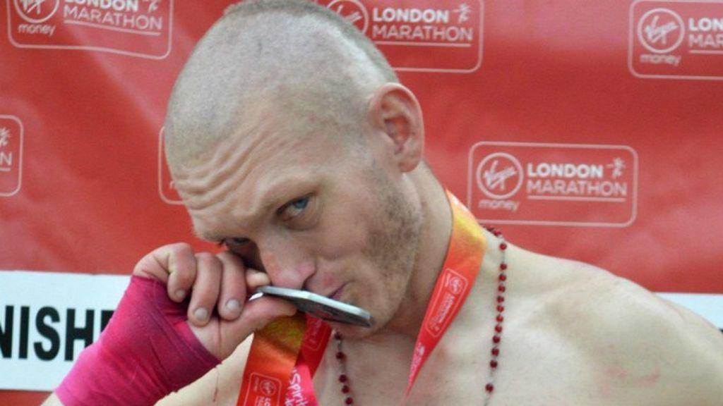 Escándalo en la maratón de Londres: Un 'homeless' se cuela en la carrera adueñándose de un dorsal