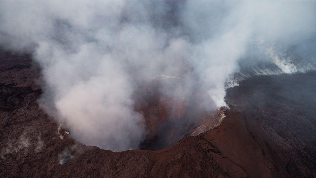 El volcán hawaiano Kilauea entra en erupción