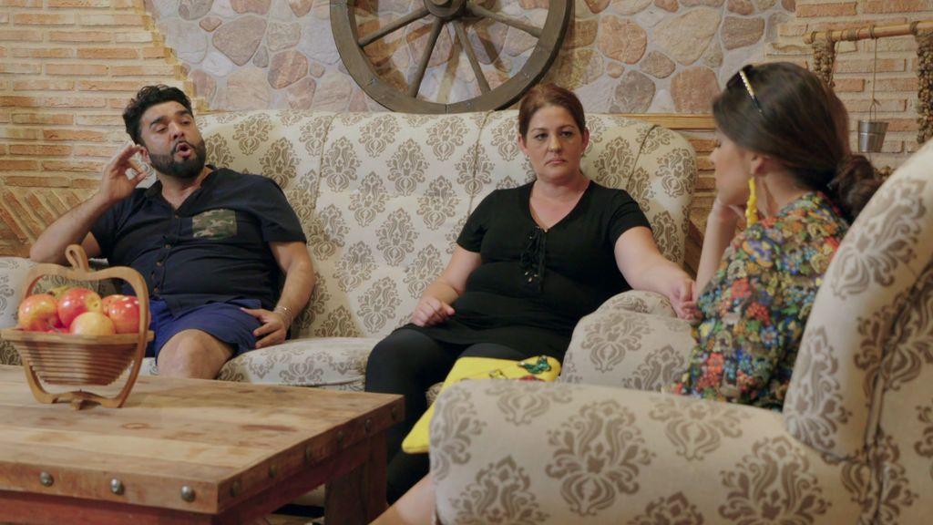 ¡Drama familiar! Rebe confiesa su amor prohibido y sus padres se oponen en rotundo