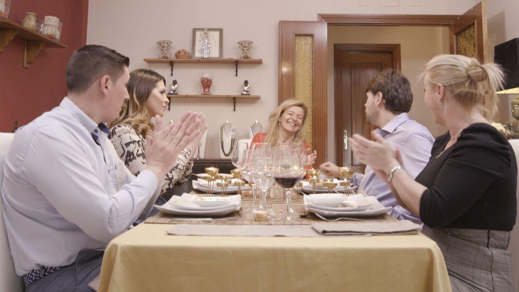 'Ven a cenar conmigo'.
