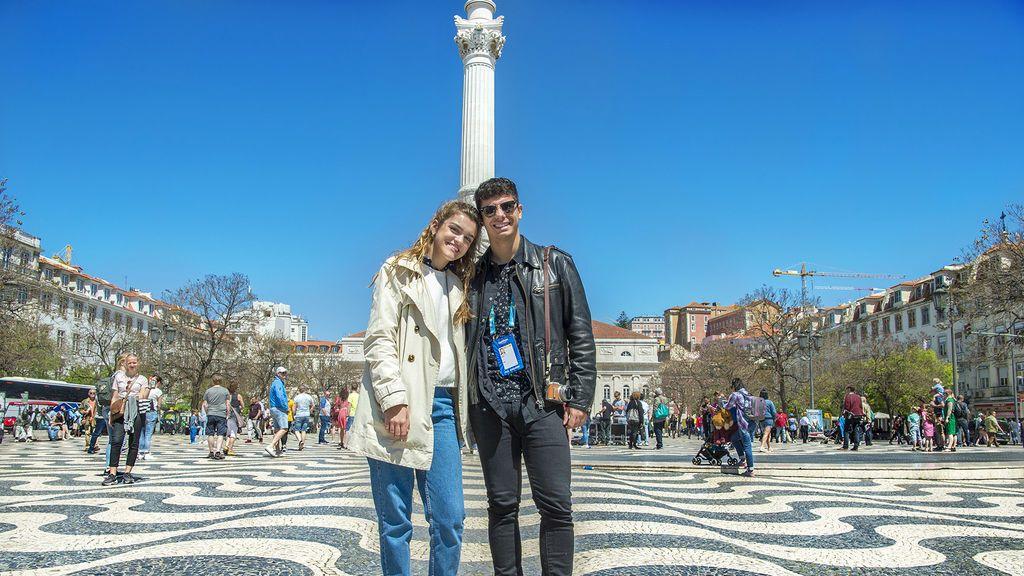 Amaia y Alfred paseando por las calles de Lisboa el 4 de mayo de 2018.