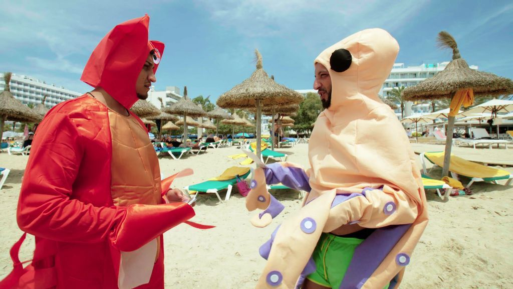 """Kiki y Fali se disfrazan de pulpo y cangrejo en su primer día de trabajo: """"Estamos haciendo el tonto"""""""