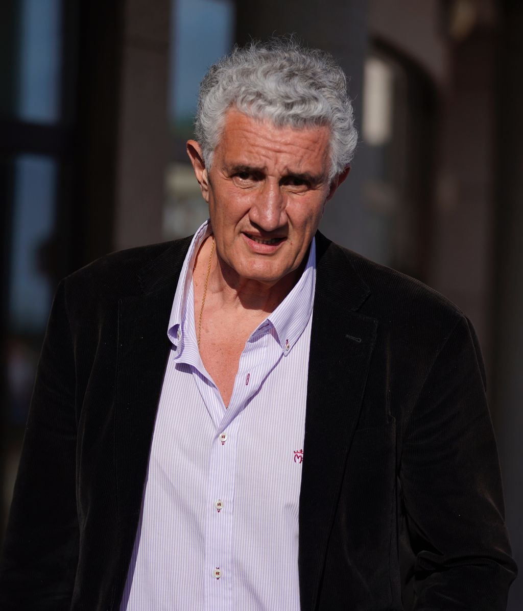 Familiares y amigos le dan el último adiós a José María Íñigo en Madrid