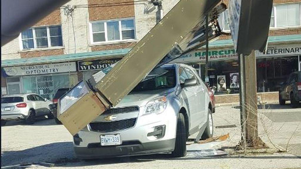 Dos muertos y 200.000 casas sin electricidad en Canadá por las fuertes tormentas