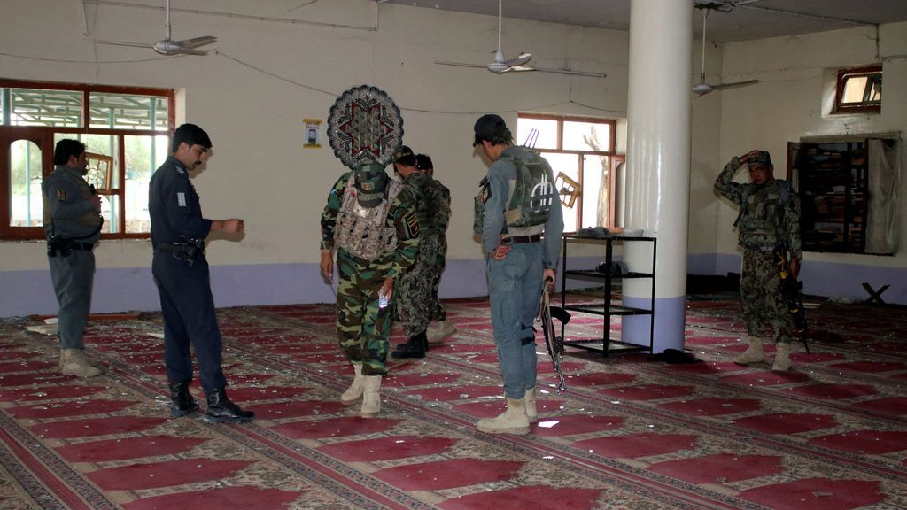 17 muertos y 33 heridos en el atentado en un centro electoral en la mezquita de Jost