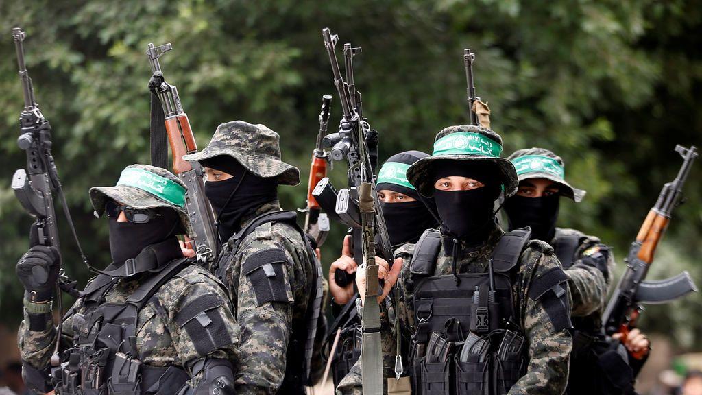 """El Ejército israelí ataca Gaza en represalia por el uso de """"cometas incendiarias"""" palestinas"""