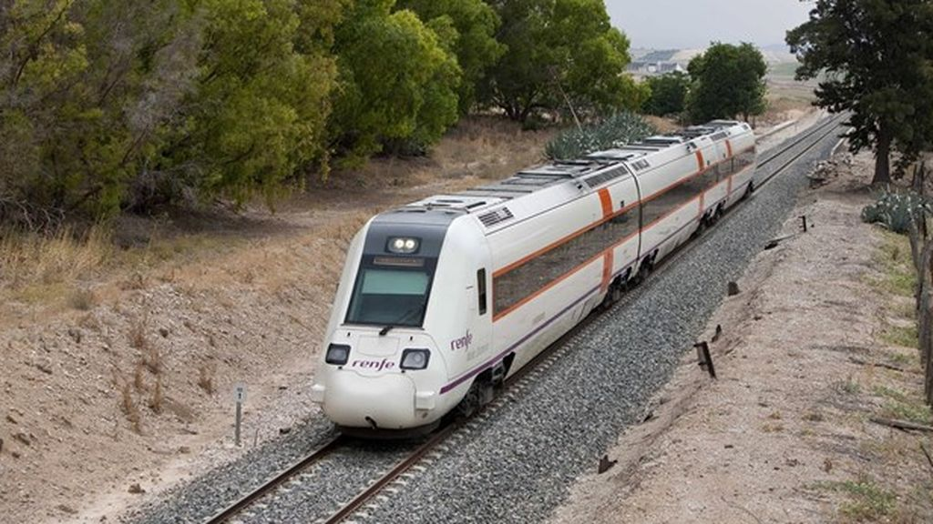Descarrila un tren de media distancia en Badajoz sin provocar heridos