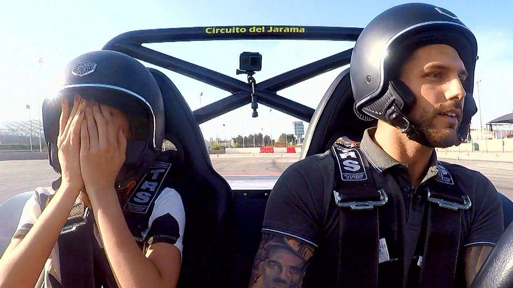Cita Barranco y Sarai: ¡Qué miedo ha pasado en los karts!