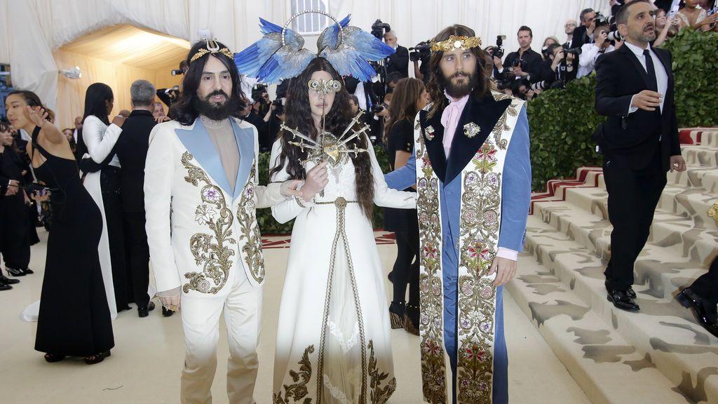 Jared Leto, Lanadel Rey y Alessandro Michel o la Santísima Trinidad en la Gala Met