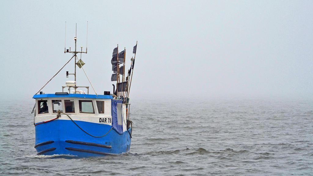 Un pescador de Castro muere ahogado tras caer del barco en el que faenaba