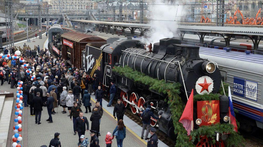 Ciudadanos rusos celebran el Día de la VIctoria
