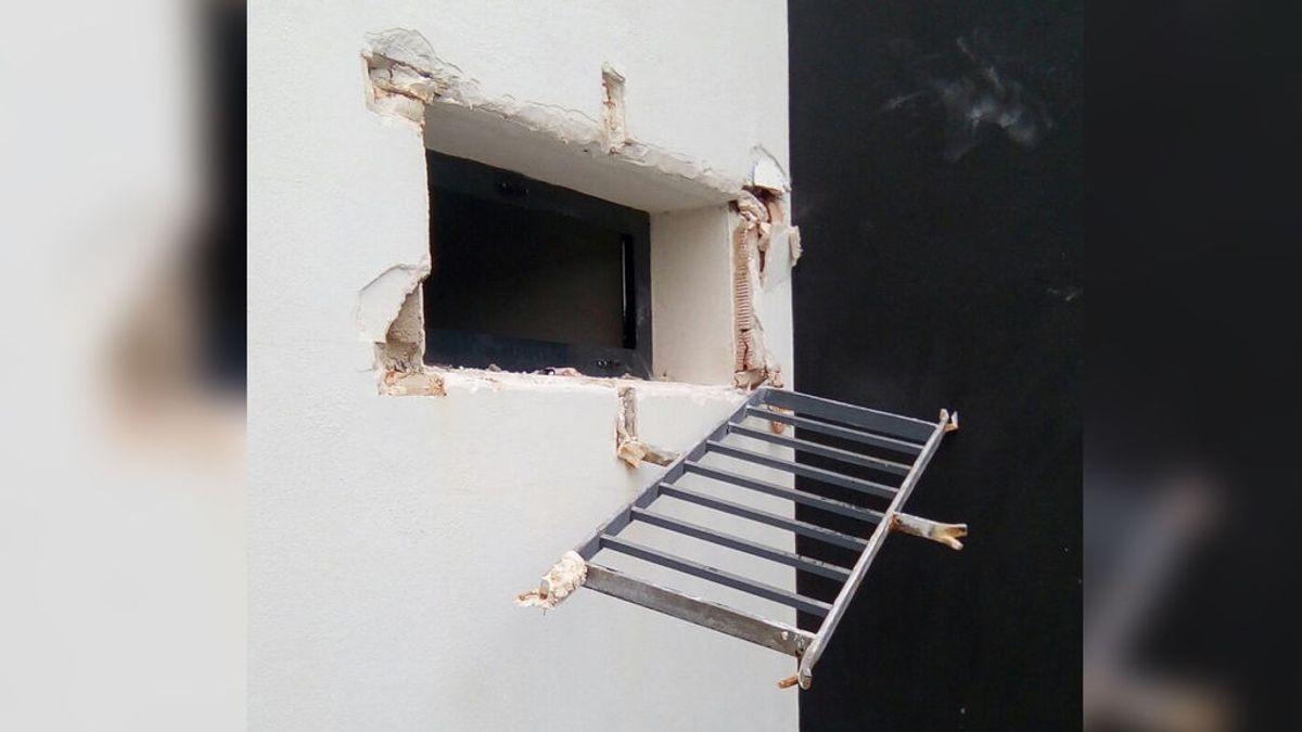 Consigue escapar de la comisaría local de Gandía rompiendo con sus manos la ventana y la reja de la celda
