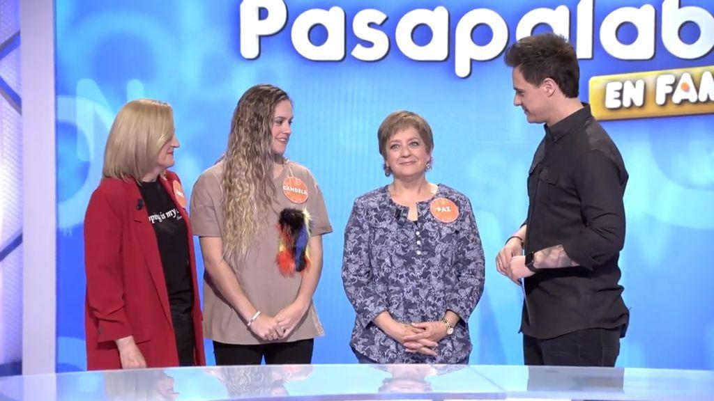 Ana Herrera, Candela Haro, Paz Herrera y Christian Gálvez, en 'Pasapalabra en familia'.