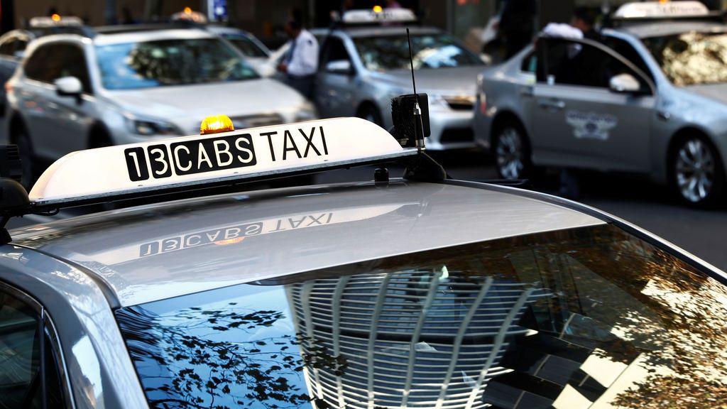 Primer plano de un taxi australiano
