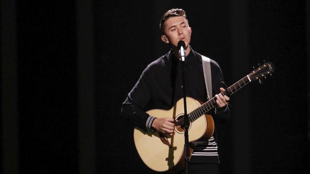 Actuación del representante de Irlanda, durante la primera semifinal de Eurovisión 2018.