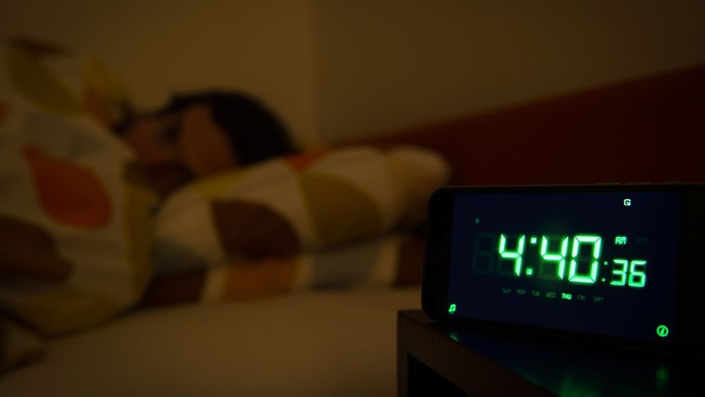 Si duermes menos de seis horas, es muy probable que sufras depresión