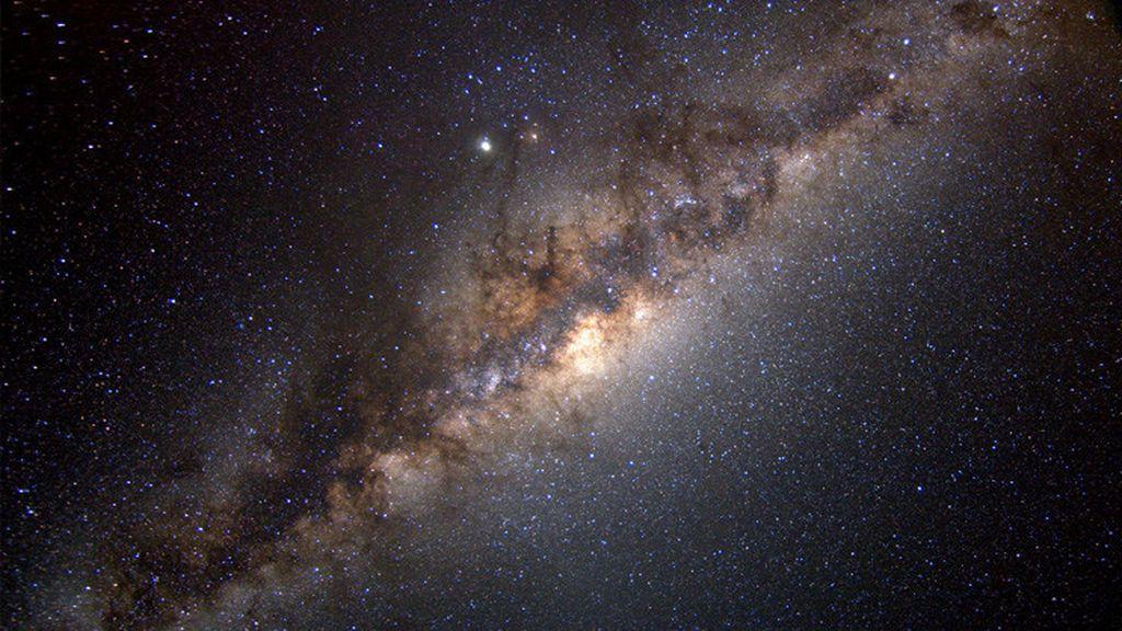 La NASA confirma que en el centro de la Vía Lactea hay miles de agujeros negros