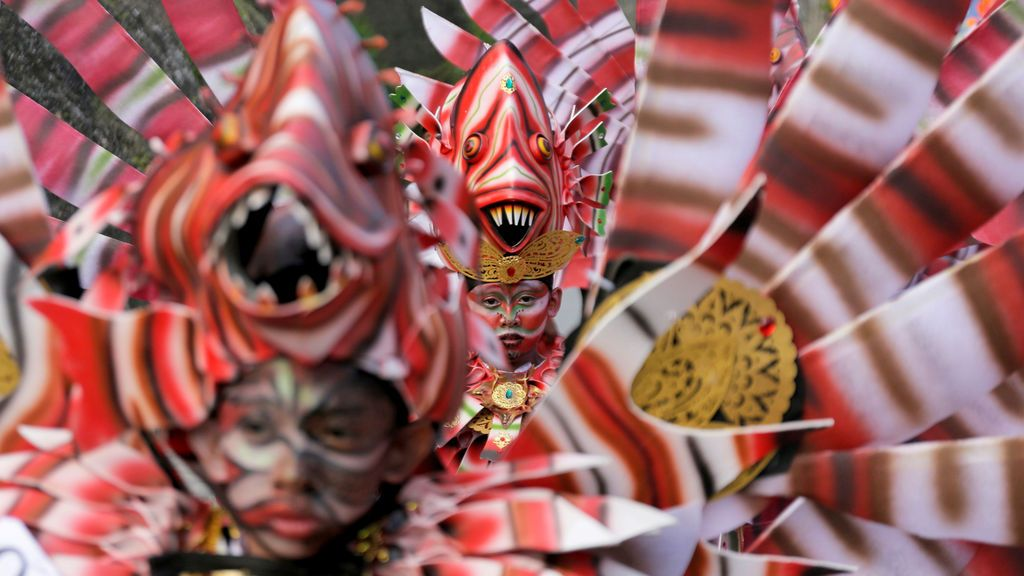 Trajes tradicionales para el Festival Marítimo de Bali