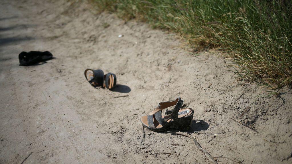 Caravanas de inmigrantes pierden el calzado en el camino