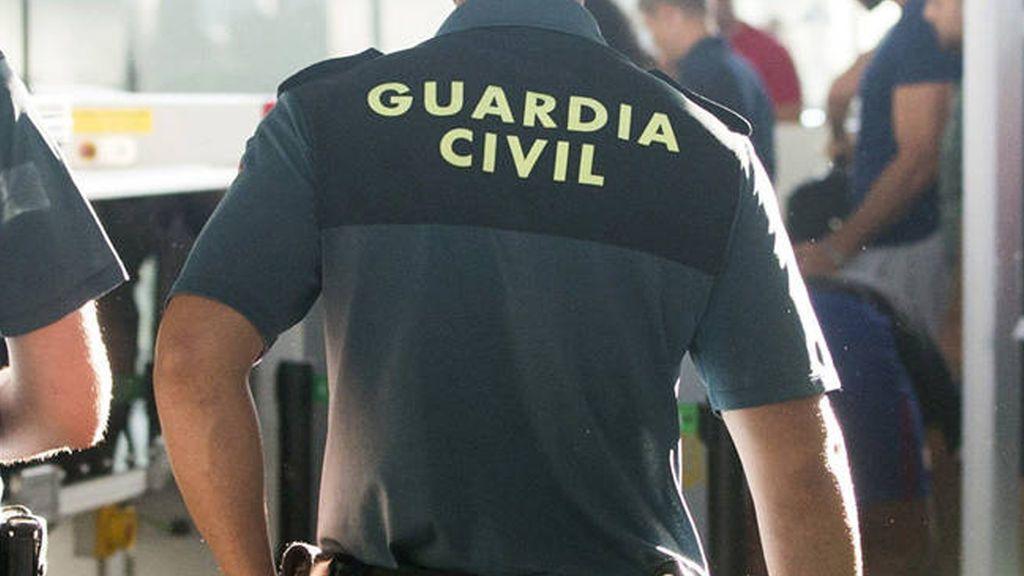 Archivan la causa contra 5 de los 9 profesores acusados de humillar a guardias civiles