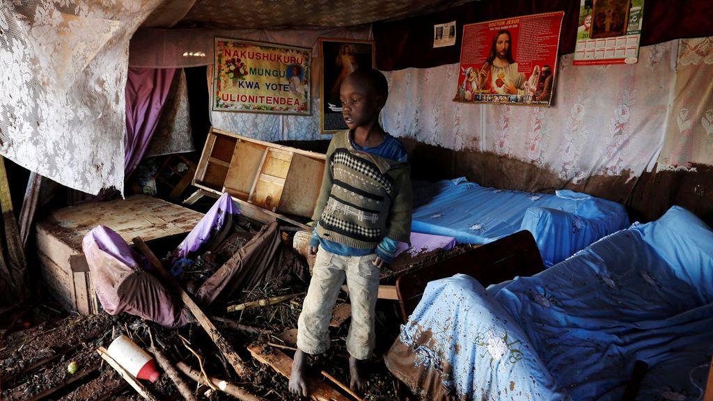 Casa destruida por las inundaciones en Kenia