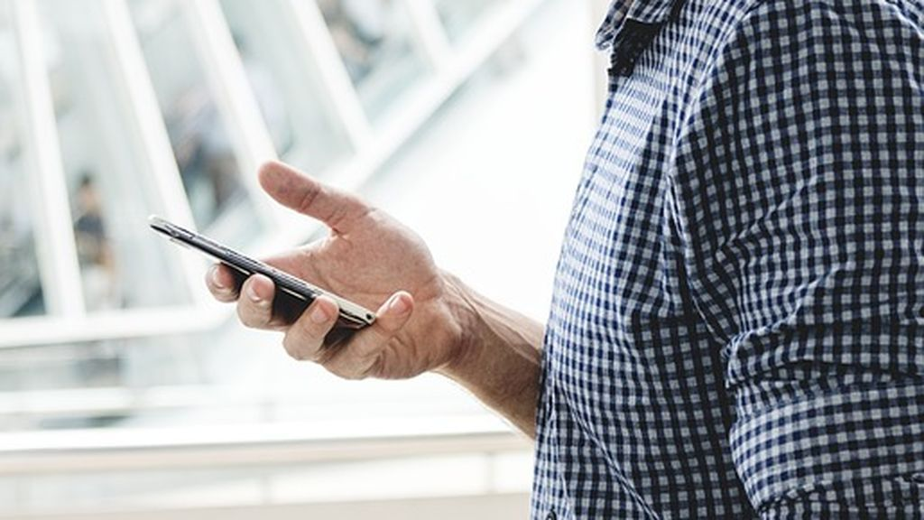 Recibe un sms desde el móvil de su padre muerto hace seis años