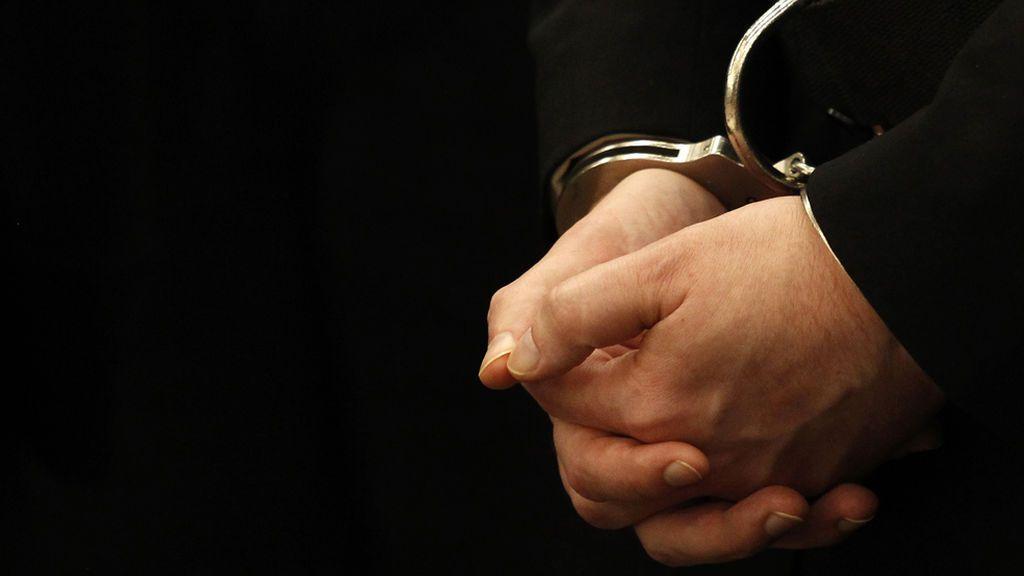 Condenado a siete años y medio de prisión por agredir a su pareja y arrojarla al vacío