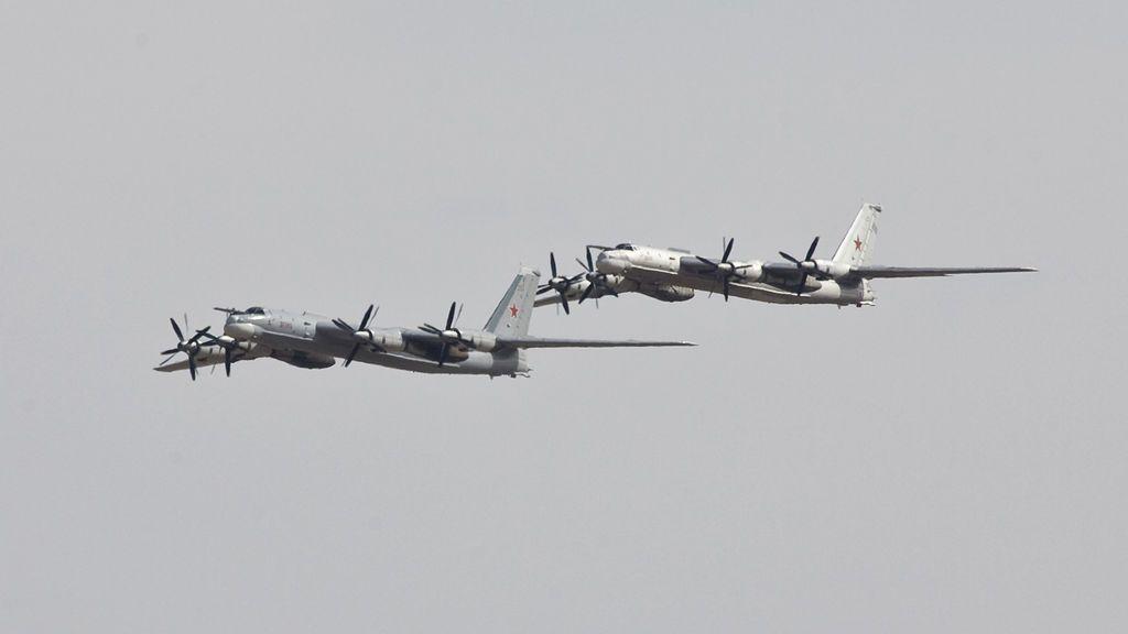Estados Unidos intercepta dos aviones bombarderos rusos cerca de la costa de Alaska