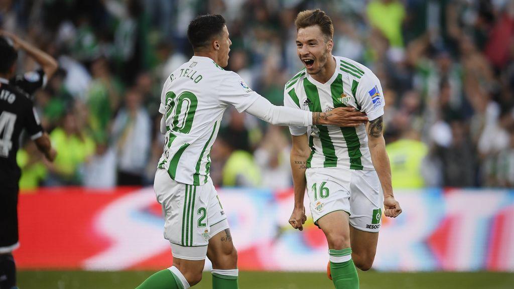 El Betis saca un empate ante el Sevilla y culmina su fiesta europea (2-2)